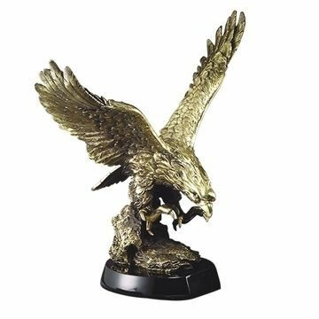AE2000 Large Swooping Eagle Resin Trophy